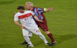Başbakan Davutoğlu'ndan hat-trick
