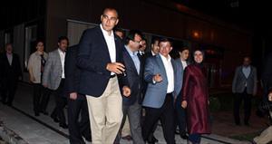 Başbakan Davutoğlu, Abdullah Gül'ün ailesini ziyaret etti