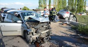 Otomobil sulama kanalına düştü: 7 yaralı