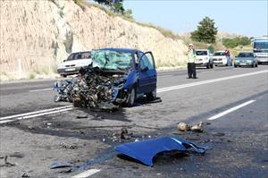 KPSS'ye giden çiftin aracı, midibüsle çarpıştı: 9 yaralı