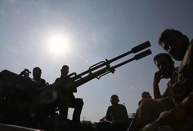 Muhalifler Şam'da stratejik noktaları ele geçirdi