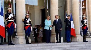 Hollande ve Merkel 'Yunanistan'ı görüşüyor
