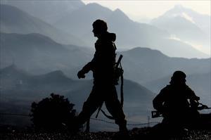 NATO birliklerine saldırı: 3 yaralı