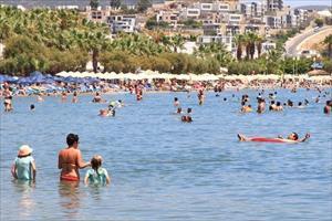 Turist ve turizm gelirlerinde düşüş