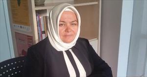 İlk başörtülü kadın Bakan Ayşen Gürcan