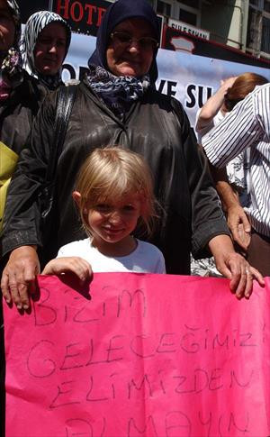 Paşaköy'de termik santral eylemi: Ölüm solumak istemiyoruz