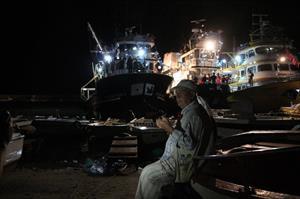 Balıkçılar ilk ağlarını atmak için dualarla uğurlandı