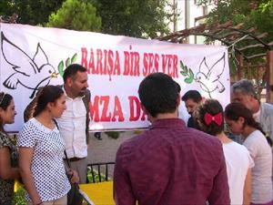 Viranşehir'de Eğitim-Sen'den imza kampanyası