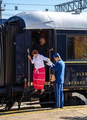 In Pictures: Orient Express welcomed with folk dance show in Turkey's western province