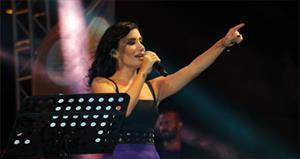İrem Derici'den pop dünyasına bomba göndeme!