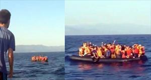 Mülteciler denizin ortasında kaldı