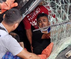 TIR'dan ağır yaralı çıkarıldı, hastanede öldü
