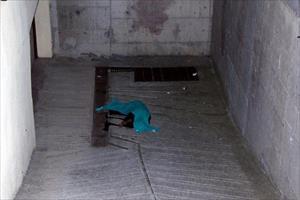 Genç öğretmen 4'üncü kattan atlayarak intihar etti