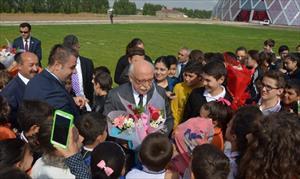 Milli Eğitim Bakanı doğum gününü öğrencilerle kutladı
