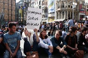 Ankara'daki patlamaya İstanbul'da protesto