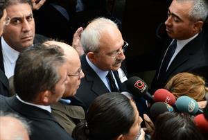 Kılıçdaroğlu Levent Kırca'nın cenaze töreninde konuştu