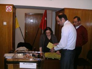 Kiev Büyükelçisi Tezel: Türk seçmenin aktifliği arttı