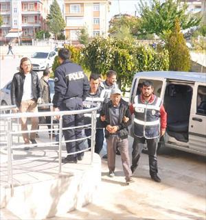 Baba ve oğul, uyuşturucu kullandığı iddiasıyla yakalandı