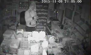 Hırsızlık şüphelileri güvenlik kamerasından yakalandı