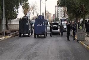 Terör örgütü şüphelileriyle polis arasında kovalamaca