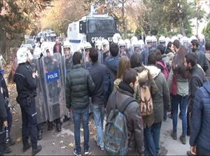 Polisle öğrenciler arasında gerginlik: 4 gözaltı