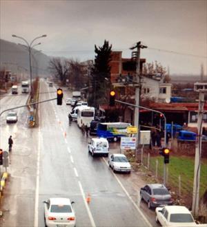 Savrulan araç yayaya çarptı: 1 ölü, 3 yaralı