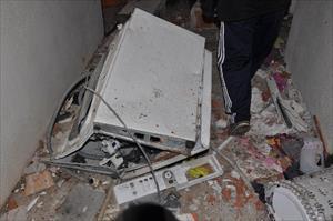 Isıtıcı kazanı patladı ev savaş alanına döndü