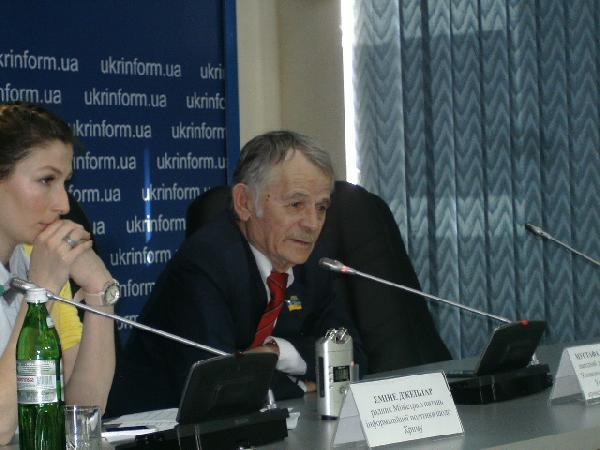 Kırımoğlu: Ukrayna'nın Kırım politikasını doğru bulmuyorum