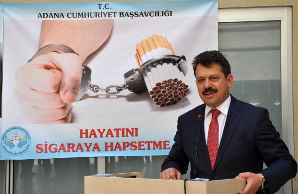 Adana Adliyesi'nde 'Kelemi değil sigarayı kırıyoruz' kampanyası