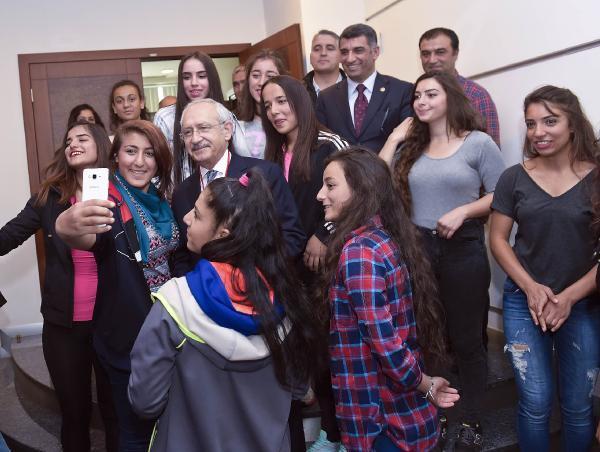 Kılıçdaroğlu, Munzur Adrenalin Doğa Sporları Geliştirme Kulübü sporcularını kabul etti