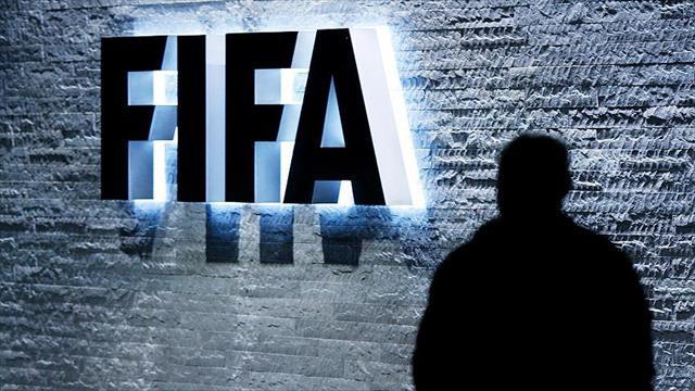FIFA'dan iki eski üyesine ömür boyu men cezası