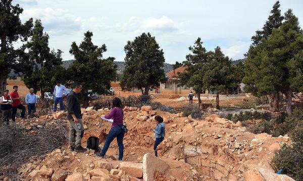 Kaçak kazı yapılan alanda Bizans kilisesi ve yerleşim yeri bulundu