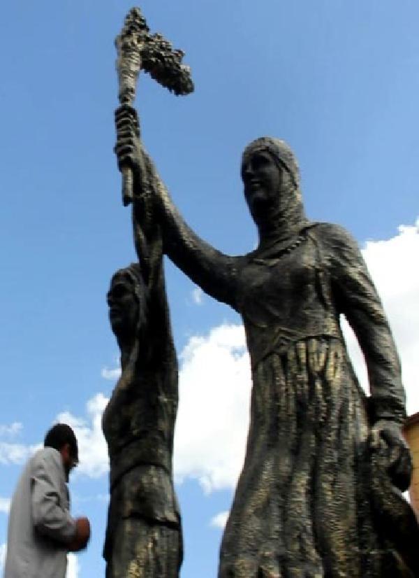 HDP'liler Iğdır'da barış ve özgürlük anıtını açtı