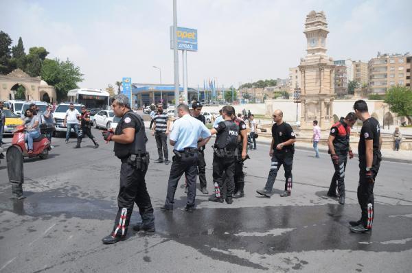 Şanlıurfa'da devrilen motosikletteki 2 polis yaralandı