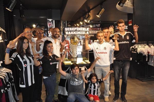 Beşiktaş'ın şampiyonluk kupası Gaziantep Kartal Yuvası'nda