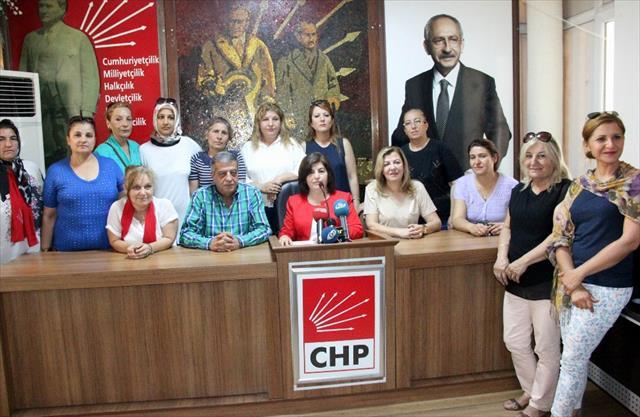 CHP'li kadınlar muhtarların nikah kıyma yetkisine tepki gösterdi