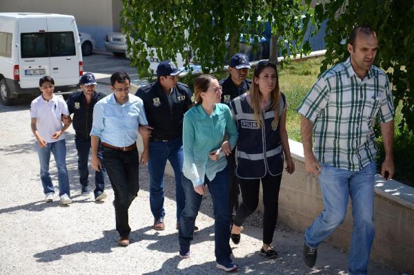 Karaman'da gözaltına alınan 1 savcı ve 2 hakim adliyeye sevk edildi