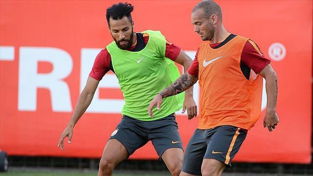 Galatasaray kafilesi Danimarka'ya gitti