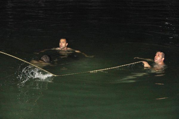 3 çocuk, serinlemek için girdiği havuzda boğuldu