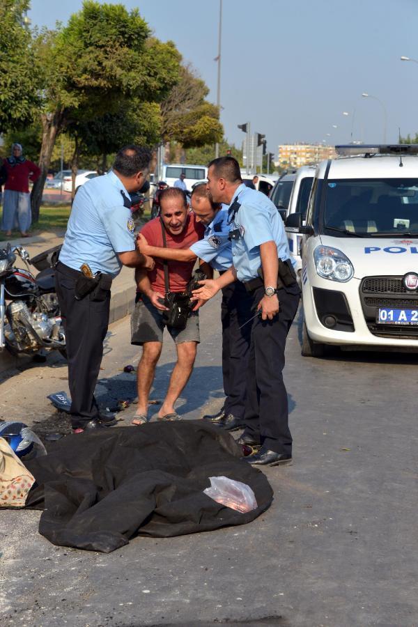 Beton mikseri motosiklete çarptı: Sürücü yaralandı, eşi öldü