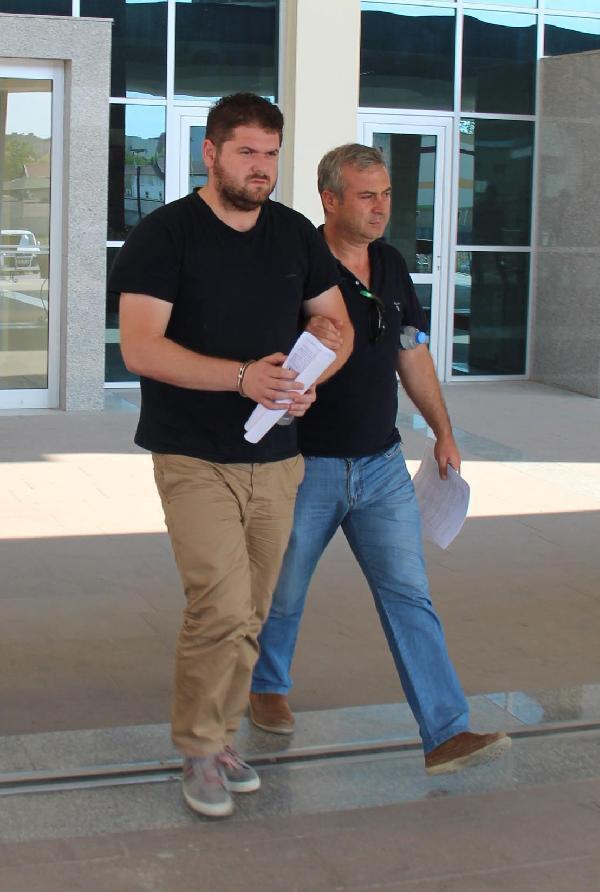 Gülen cemaati şirketinin muhasebecisi örgüt üyeliğinden tutuklandı