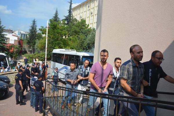 Bilecik'te 24 emniyet mensubu tutuklandı