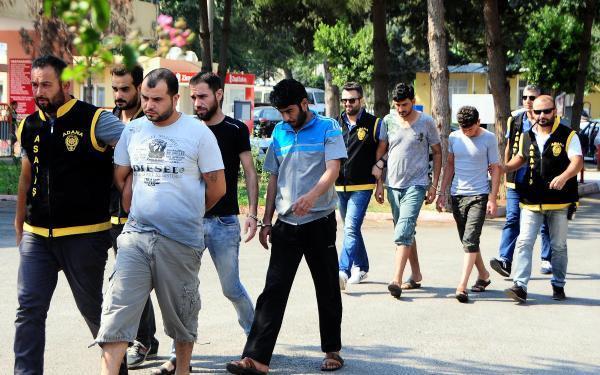 Suriyeliler sahte altınla 2 Suudi işadamını dolandırmaya kalkıştı