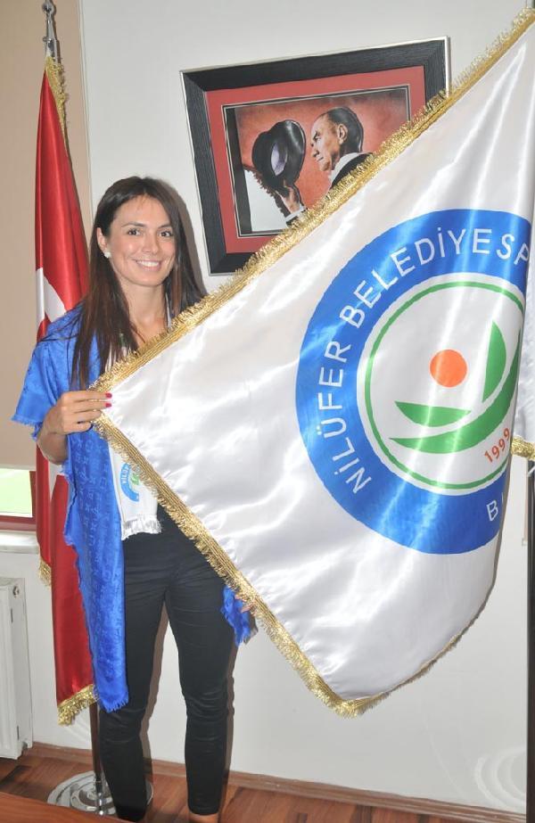 Nilüfer Belediyespor'a Sırp smaçör