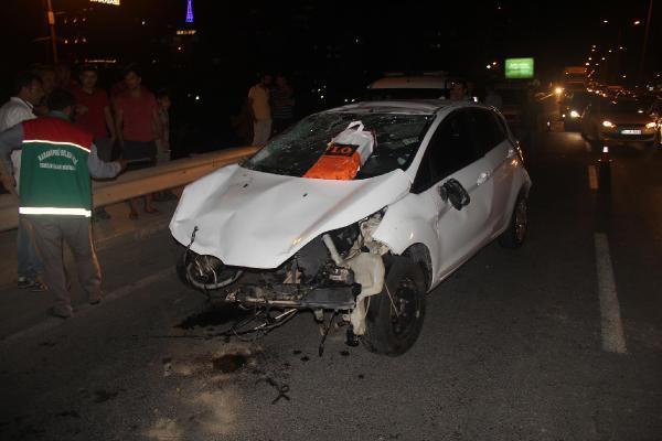Şanlıurfa'da, virajda iki otomobil çarpıştı; 4 yaralı