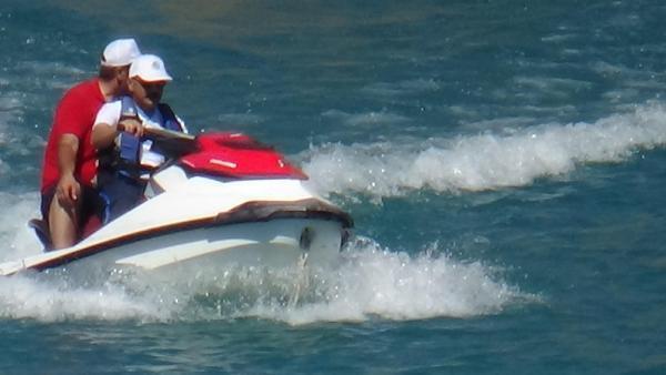 Kalkınma Bakanı'ndan jet-ski keyfi