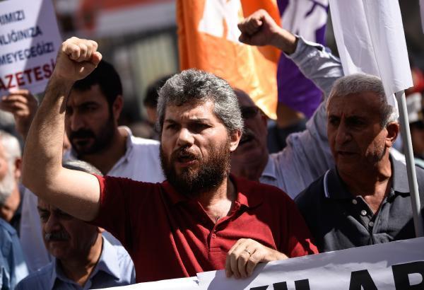 Sendika ve STK'lardan KHK protestosu