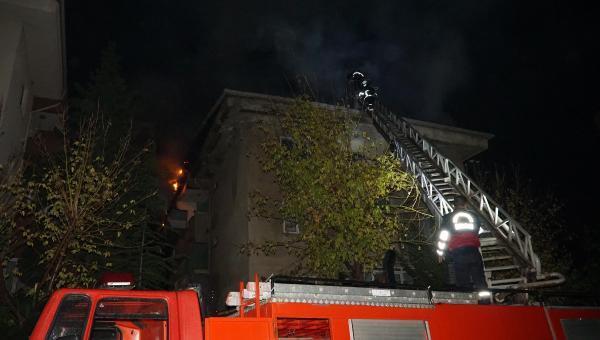4 katlı apartmanda korkutan yangın