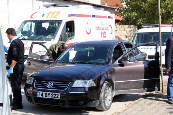 Otomobilinden inip bayılan kişi hastaneye kaldırıldı