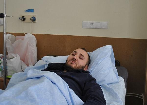 Ukraynalı holiganların saldırısında yaralanan Beşiktaş taraftarı,10 gün sonra Türkiye'ye dönüyor